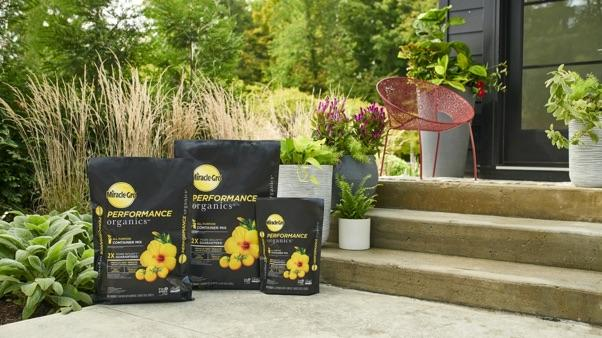 Miracle-Gro® Performance Organics™ products