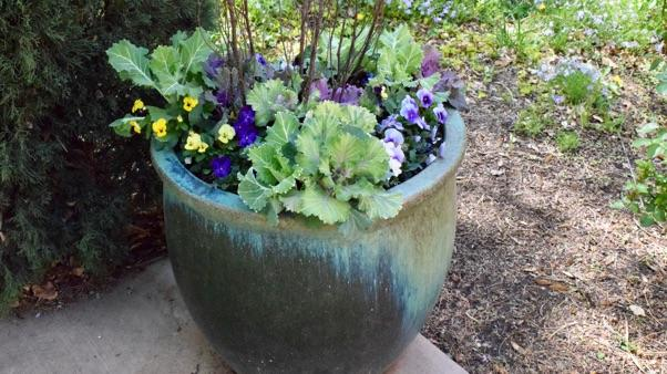 Garden-Inspired Fall Decor: large fall planter
